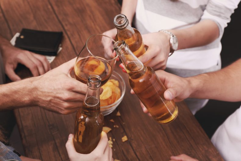 Can You Sue a Bar for Personal Injuries in South Florida After a Bar Fight?