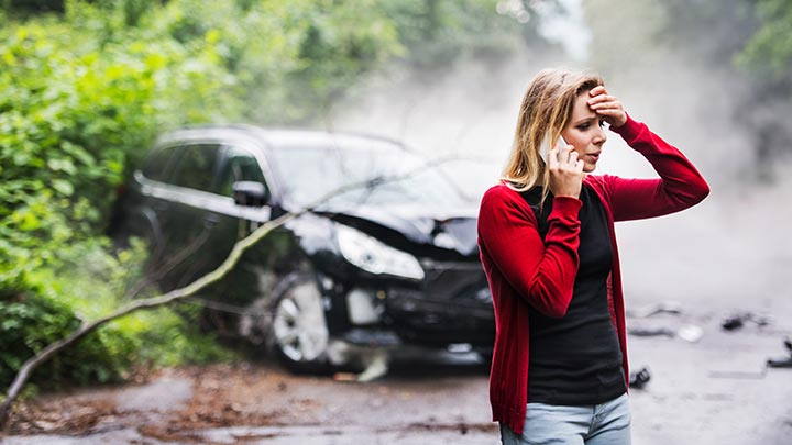 Types of auto accidents - women in a car accident